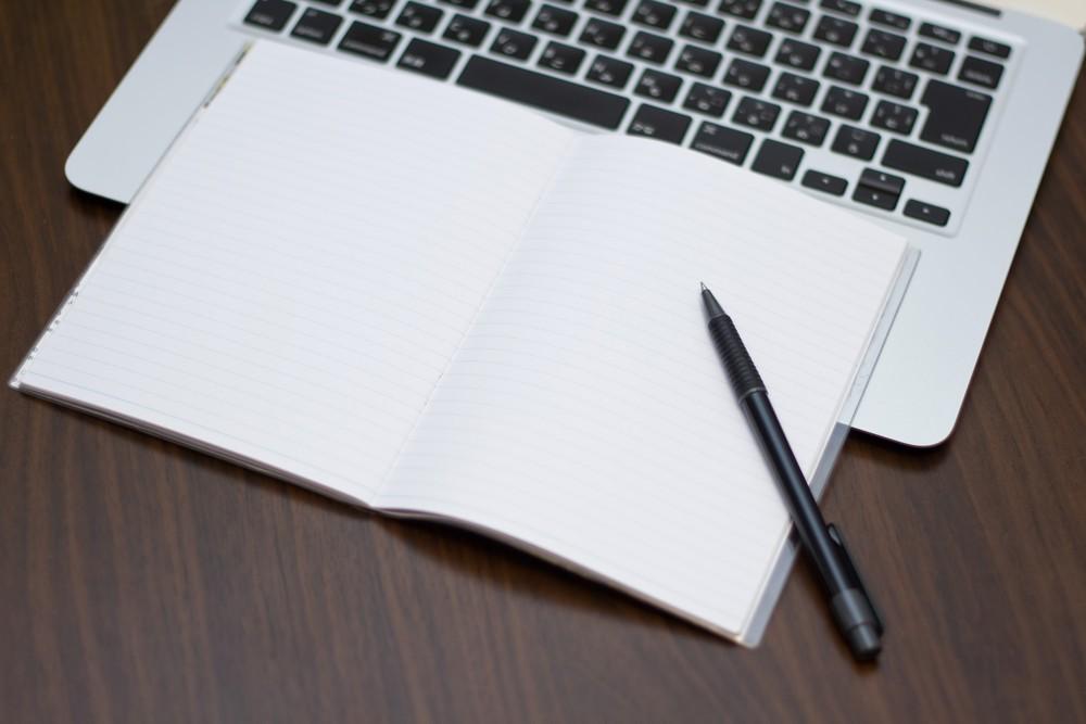 パソコンとペン
