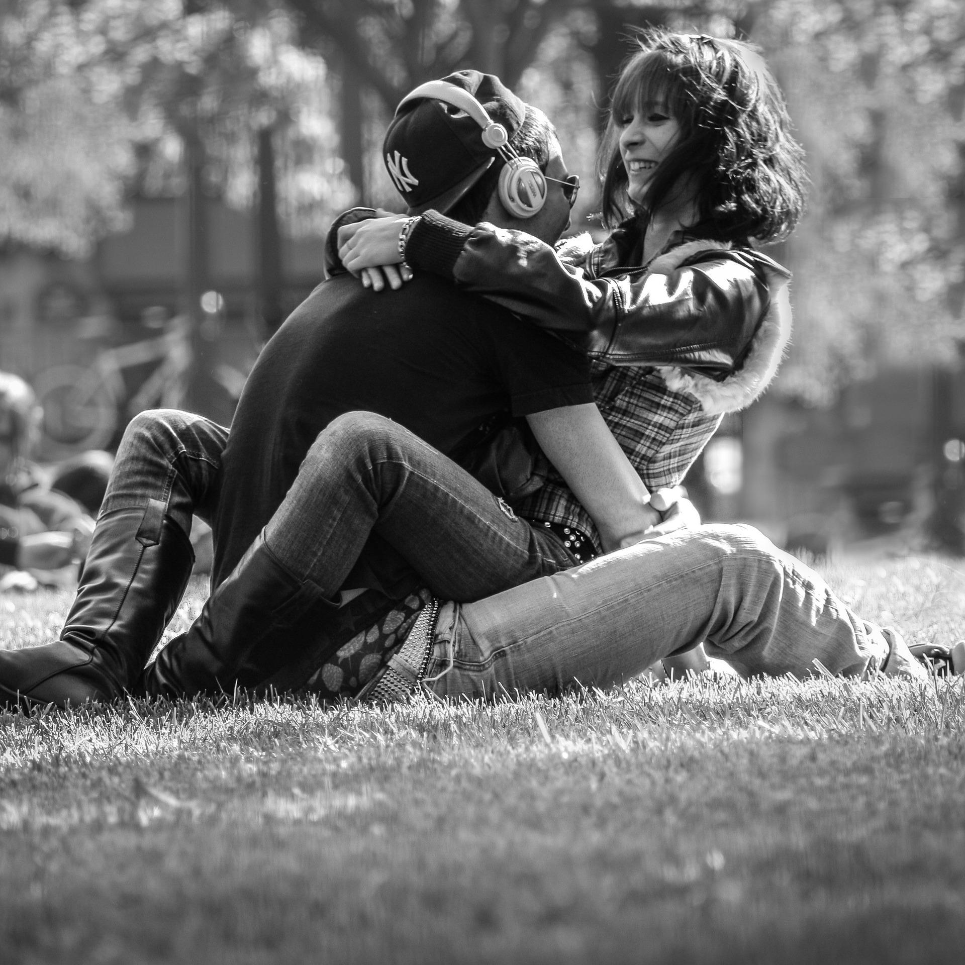 couple-814825_1920